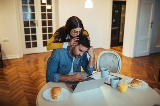 نصيحة: ادعمي زوجك وقدّري عمله