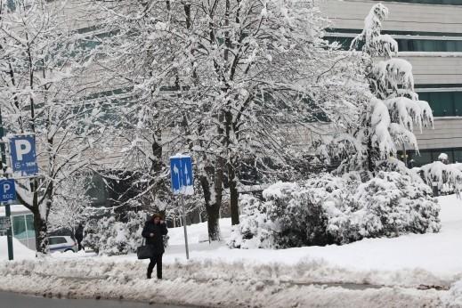 الثلوج تغطي البوسنة والهرسك