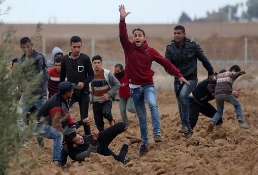 إصابة 9 فلسطينيين برصاص الجيش