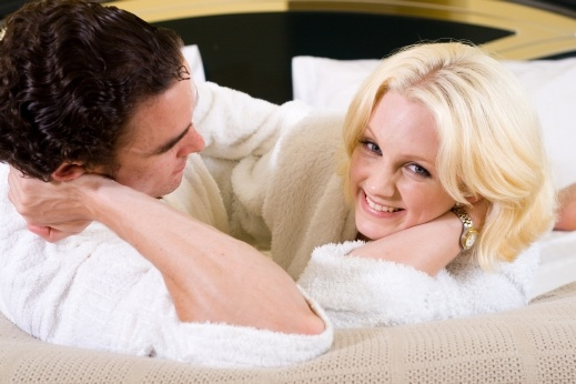 هل الإفراط في ممارسة العلاقة الحميمة مضر؟
