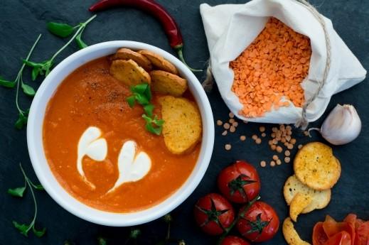 حساء العدس والبندورة..صحتين وهنا alarab21446.JPG