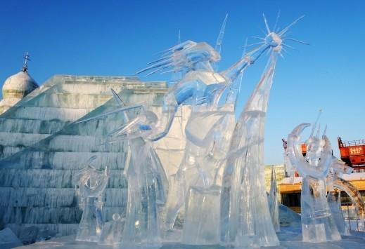 منحوتات جليدية ساحرة في هاربين