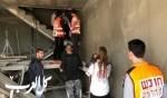 شعب: إصابة عامل بعد سقوطه عن ارتفاع