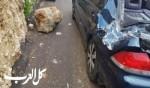 دير الأسد: سقوط صخرة كبيرة على سيارة