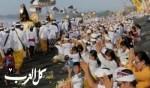 احتفالات دينية على شواطئ بالي