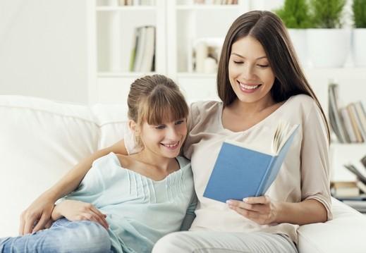 كيف تختارين قصص طفلك بطريقة صحيحة؟