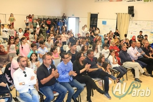 احتفال تتويجي لطلاب مشروع دورة لكل طالب من مدارس دير الاسد