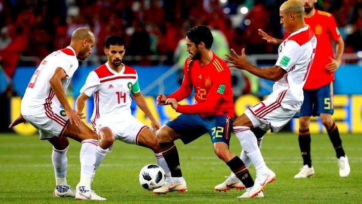 منتخب إسبانيا يتعادل مع منتخب المغرب ويتصدر
