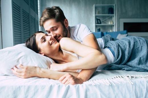 81ec77d45 6 علامات تدل على سعادة الزوج بعد العلاقة الحميمة | كل العرب