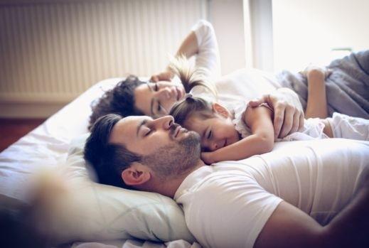 e1c183ef1 ... سن متقدم، ودائمًا ما تتسائلين اذا كانوا يشعرون بما يحدث، أو ينتابك شعور  القلق من استيقاظهم المفاجئ، سوف نخبرك بخمسة حلول تمكنك من ممارسة العلاقة  الزوجية ...