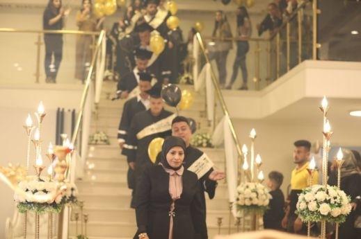 مدرسة مشيرفة الثانوية تخرج الفوج الثالث من طلابها