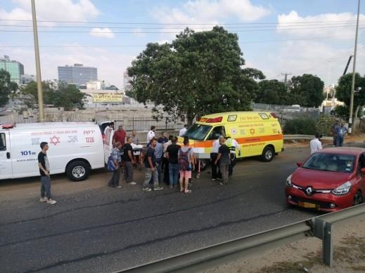 إصابتان بشجار وسط الشارع في بيتح تكفا