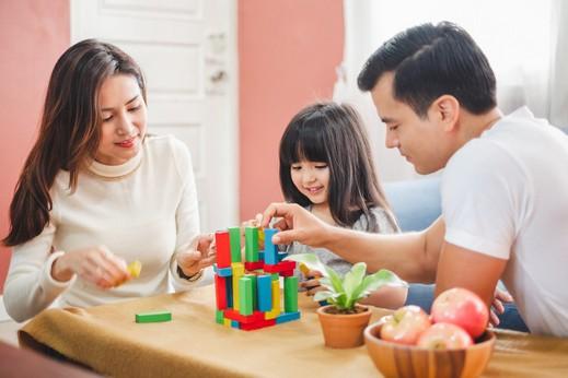عدة طرق لتحسين العلاقات الأسرية iStock-1066164688.jpg