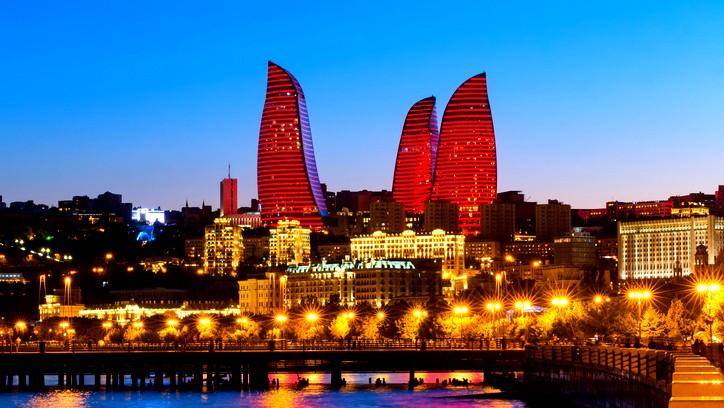 رحلة سياحية إلى باكو عاصمة اذربيجان