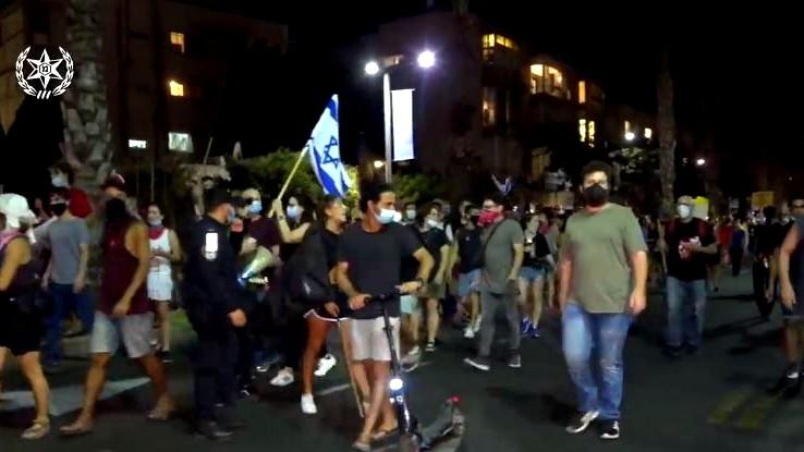 تل ابيب: المئات يتظاهرون احتجاجا على سياسة الحكومة