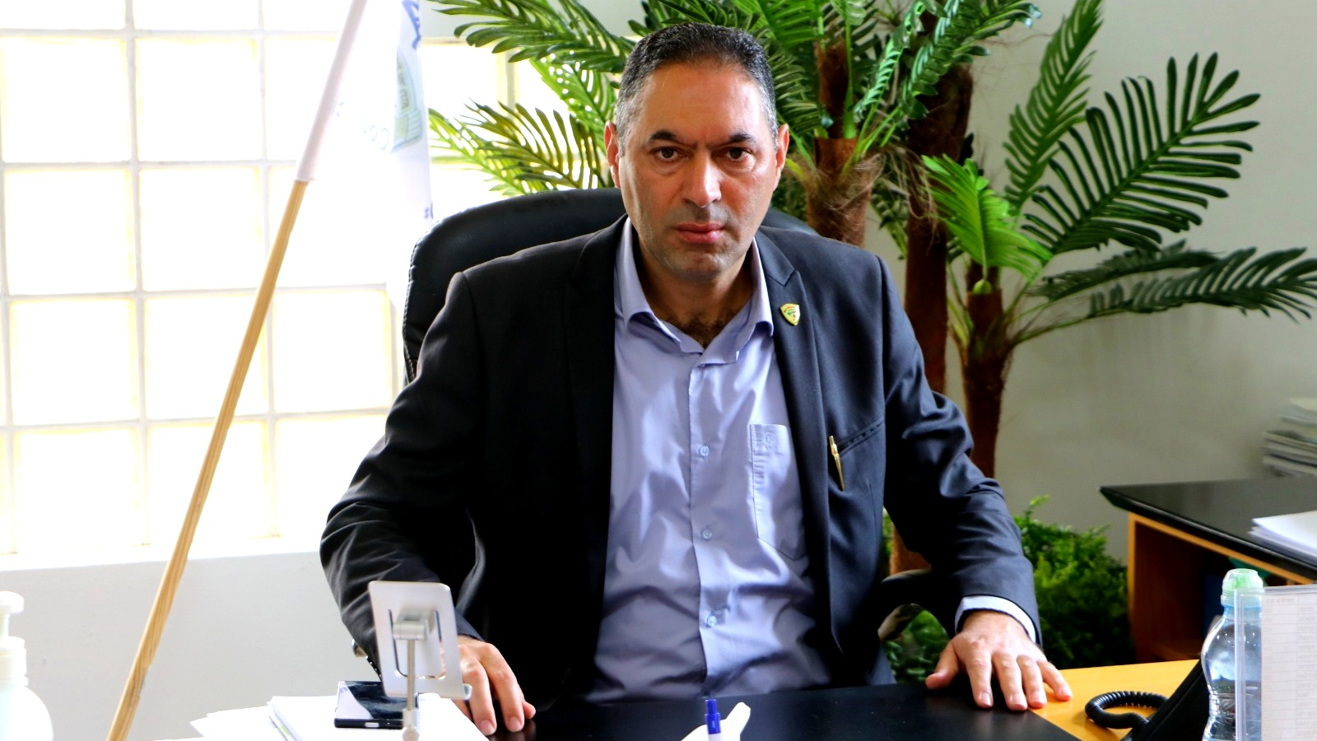 مؤنس عبد الحليم يرد على علي زيدان: يدي ممدودة