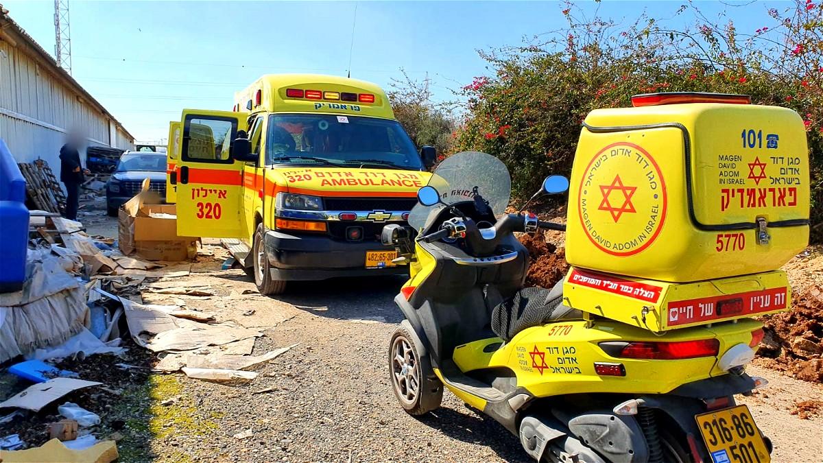 اصابة رجل (50 عامًا) خلال حادث عنف في جسر الزرقاء