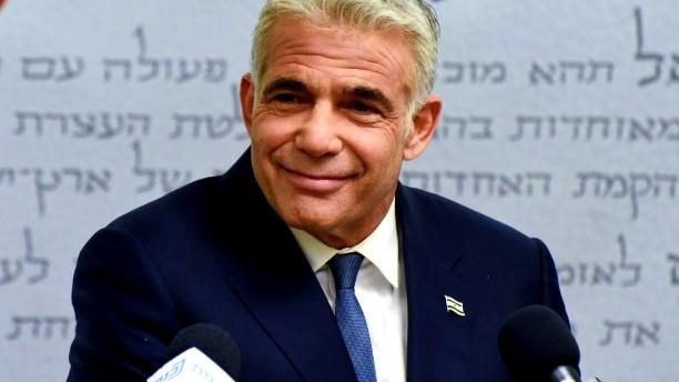 يائير لابيد يبلغ رئيس الدولة: نجحت بتشكيل الحكومة