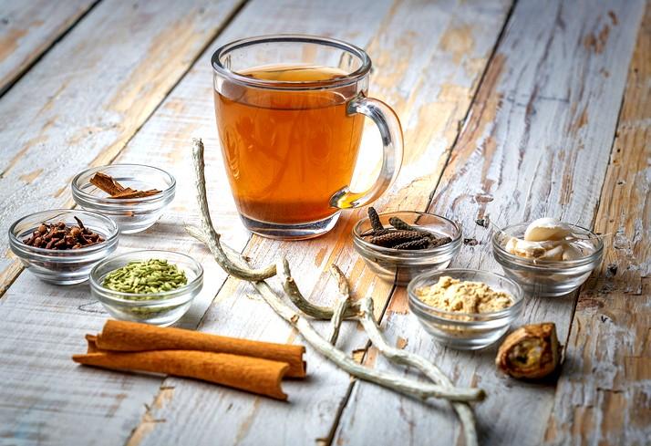 عليكم بكوب من الشاي