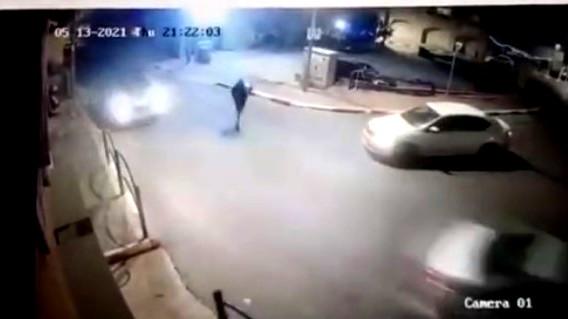 فيديو   اضرام النار في نقطة للشرطة بكفرقرع