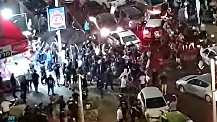 اعتقال 4 مشتبهين بالاعتداء على شاب عربي