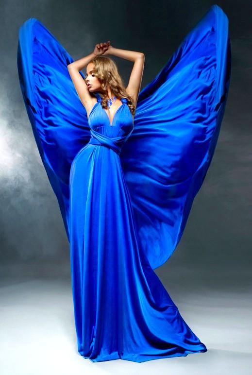 صور  تألقي بالأزرق الملكلي
