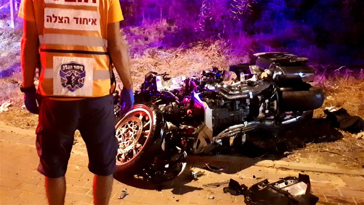 مصرع سائق دراجة نارية بحادث طرق في المركز