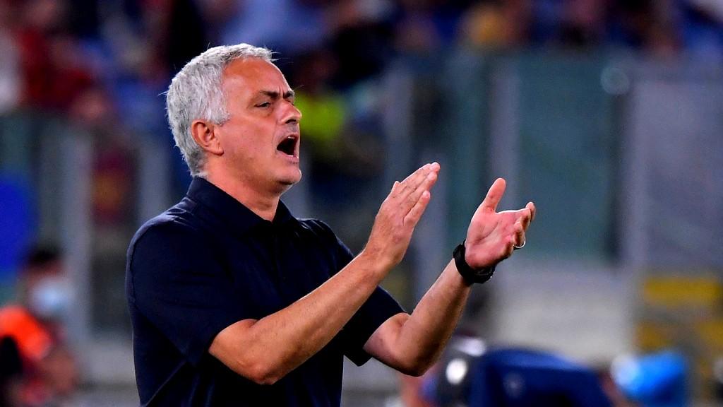 نجم روما الإيطالي يسطع مع المدرب مورينيو