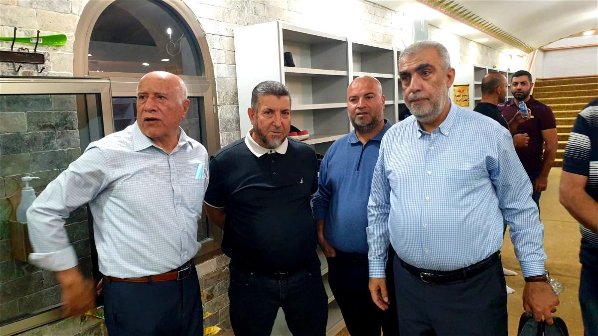 الشيخ كمال خطيب يعود إلى مسجده في كفركنا