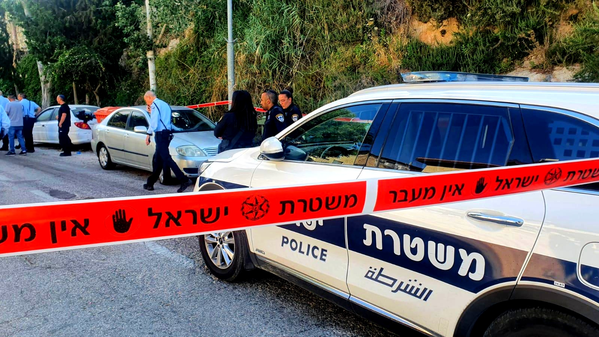 اعتقال مشتبهين من رهط بإطلاق نار