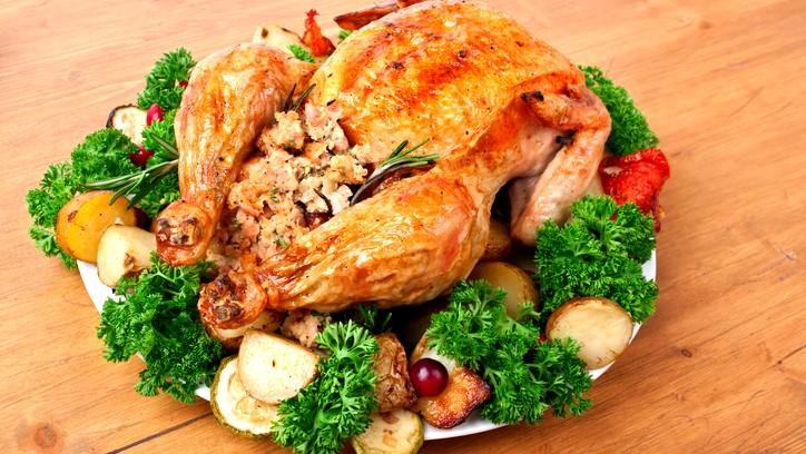 دجاج بالفرن محشي كينوا.. صحتين