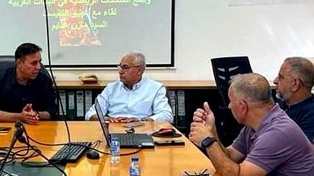 غنايم يجتمع بمديري أقسام الرياضة بالشمال