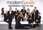 modern family 7 الحلقة 8  Clean Out Your Junk Drawer