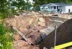 """مرعب ومخيف : """"حفرة جحيم"""" تتسبب بإجلاء عدد من سكان حي في ولاية فلوريدا الأمريكية"""