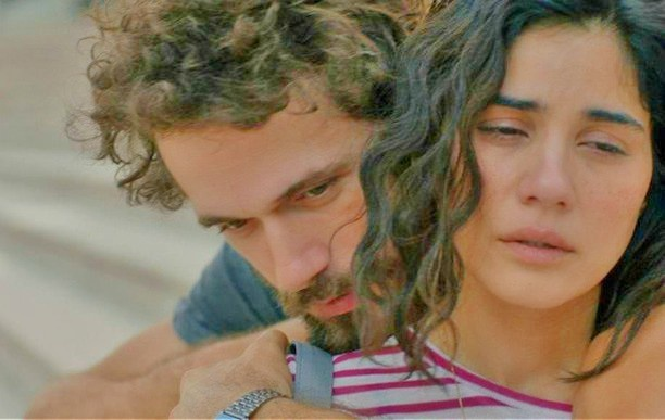 مسلسل هل يحبني الحلقة 11 مترجمة للعربية