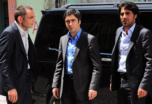 مشاهدة المسلسل التركي المدبلج وادي الذئاب الجزء 5 الحلقة 57 السابعة والخمسون كاملة اونلاين مباشرة على العرب