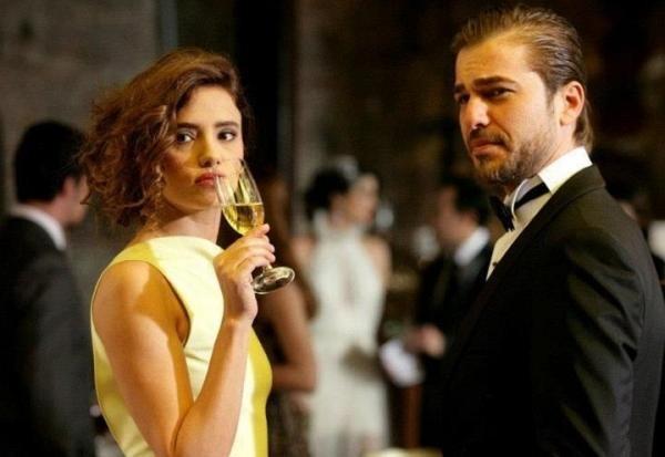مشاهدة مسلسل لغز الماضي الحلقة 39 التاسعة والثلاثون مدبلجة للعربية كاملة اون لاين مباشرة على العرب بدون تحميل