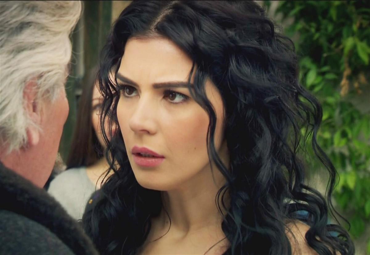 مشاهدة مسلسل عائلة كاراداغ الحلقة 46 السادسة والأربعون مدبلجة كاملة 2013 اون لاين مباشرة كواليتي عالية على العرب بدون تحميل