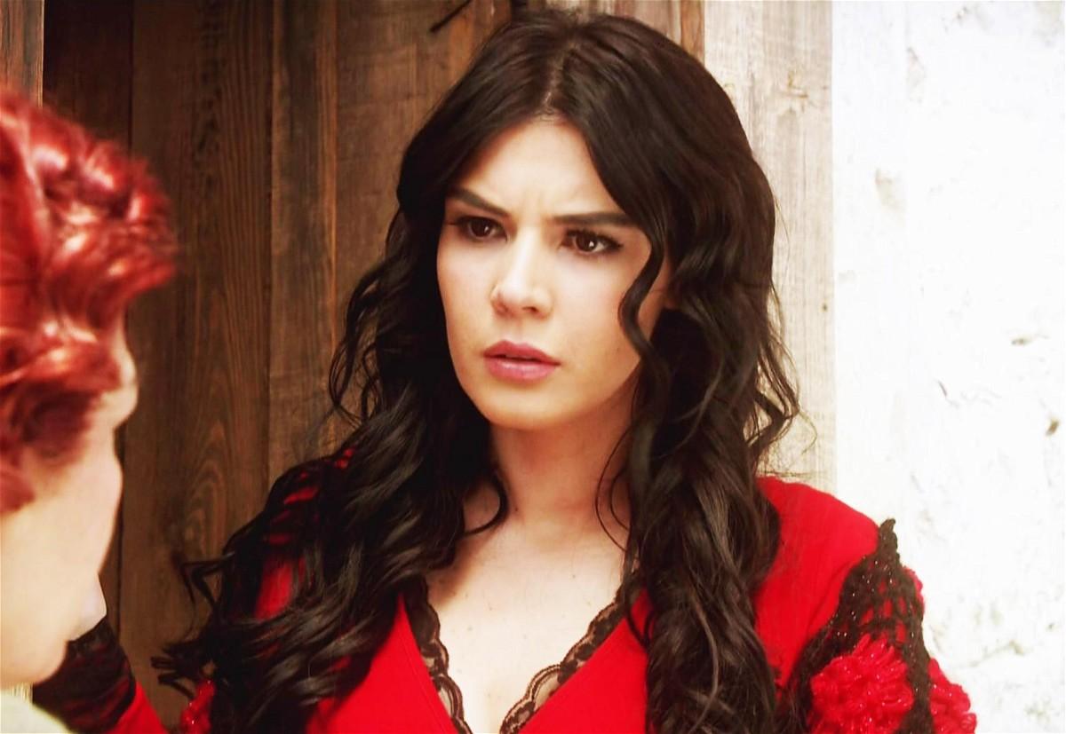 مشاهدة مسلسل عائلة كاراداغ الحلقة 49 التاسعة والأربعون مدبلجة كاملة 2013 اون لاين مباشرة كواليتي عالية على العرب بدون تحميل