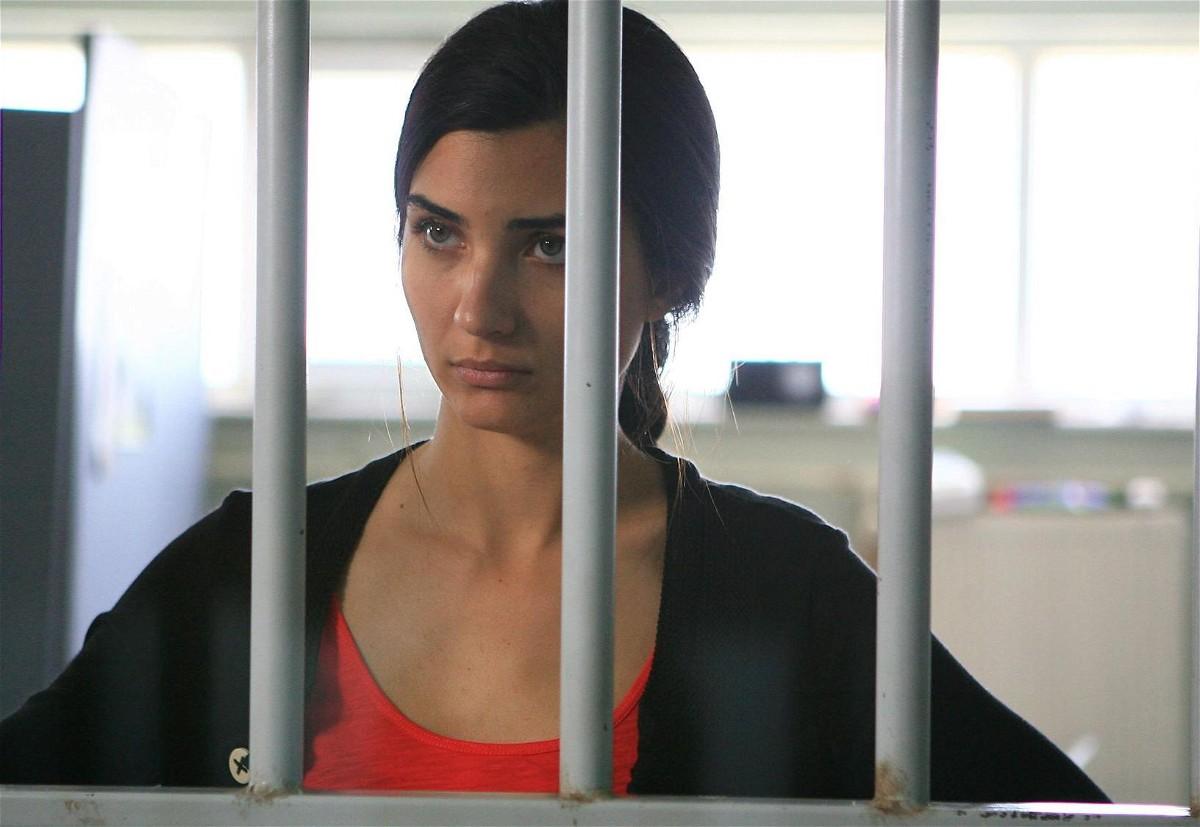 مشاهدة مسلسل عشرون دقيقة الحلقة16 السادسة عشرة مترجمة للعربية كاملة 2013 اون لاين مباشرة كواليتي عالية على العرب بدون تحميل
