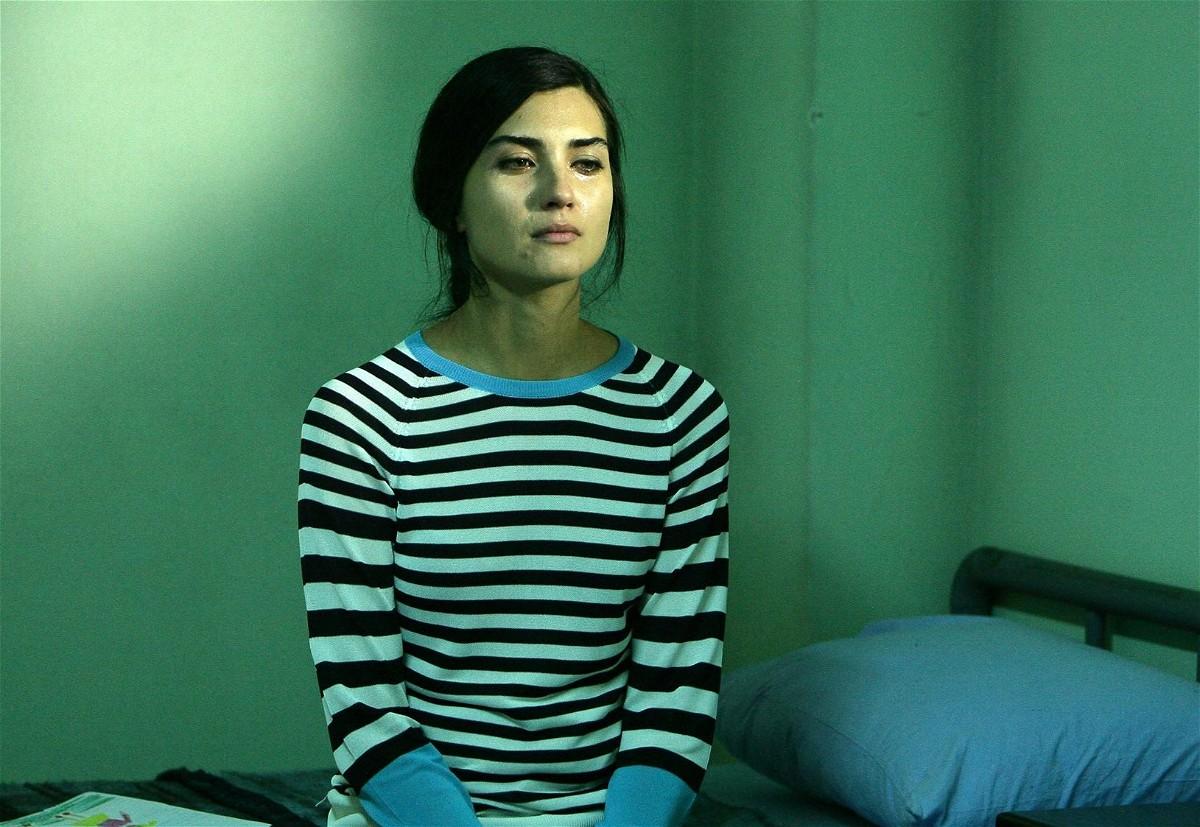مشاهدة مسلسل عشرون دقيقة الحلقة 18 الثامنة عشرة مترجمة للعربية كاملة 2013 اون لاين مباشرة كواليتي عالية على العرب بدون تحميل