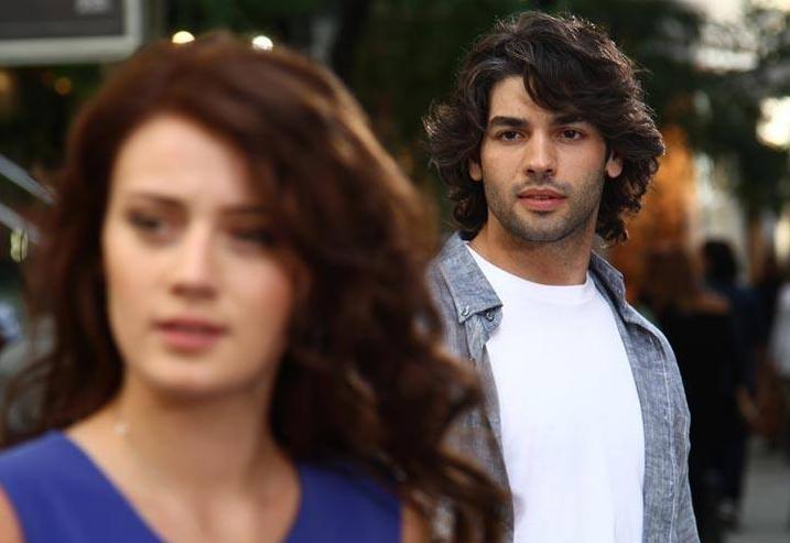 مشاهدة مسلسل ويبقى الامل الحلقة 38 الثامنة والثلاثون مدبلجة كاملة اون لاين مباشرة بجودة عالية على العرب بدون تحميل