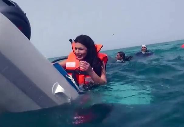 رامز قرش البحر الحلقة 16 كاملة مع نجلاء بدر برنامج ترفيهي مقالب اثارة - رمضان 2014