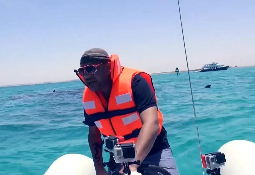 رامز قرش البحر الحلقة 25 كاملة  مع الفنان أحمد راتب - برنامج ترفيهي مقالب اثارة - رمضان 2014