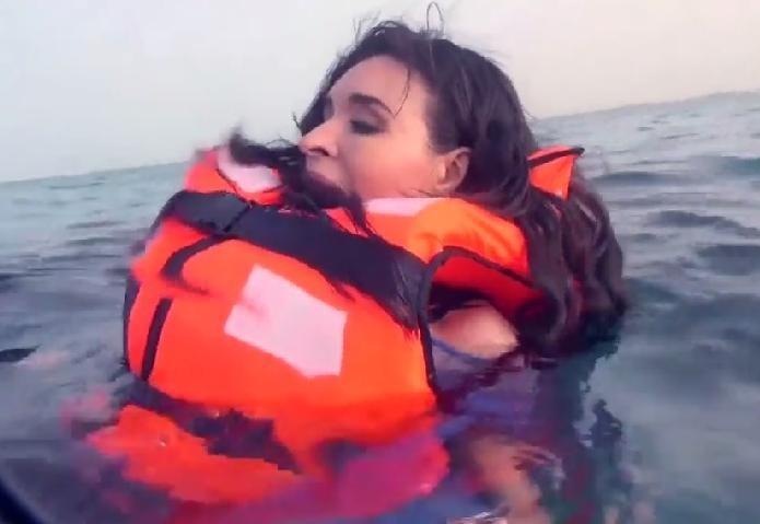 رامز قرش البحر الحلقة 27 كاملة مع الفنان دينا - برنامج ترفيهي مقالب اثارة - رمضان 2014