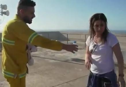 رامز بيلعب بالنار الحلقة 18 بوسى كاملة رمضان 2016