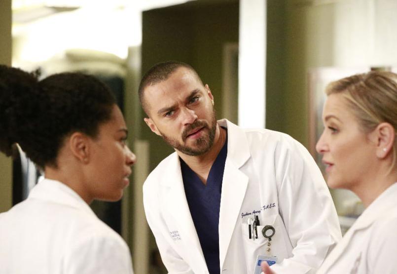 Grey's Anatomy الموسم 13 الحلقة 12 None of Your Business مترجمة للعربية HD اونلاين 2017