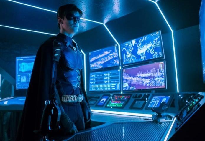 Titans الحلقة 7 مترجمة Asylum اونلاين